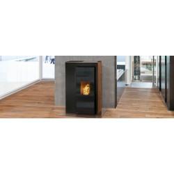 Ambiances Flammes vous présent un poêle à granulés  le modèle Miro RIKA