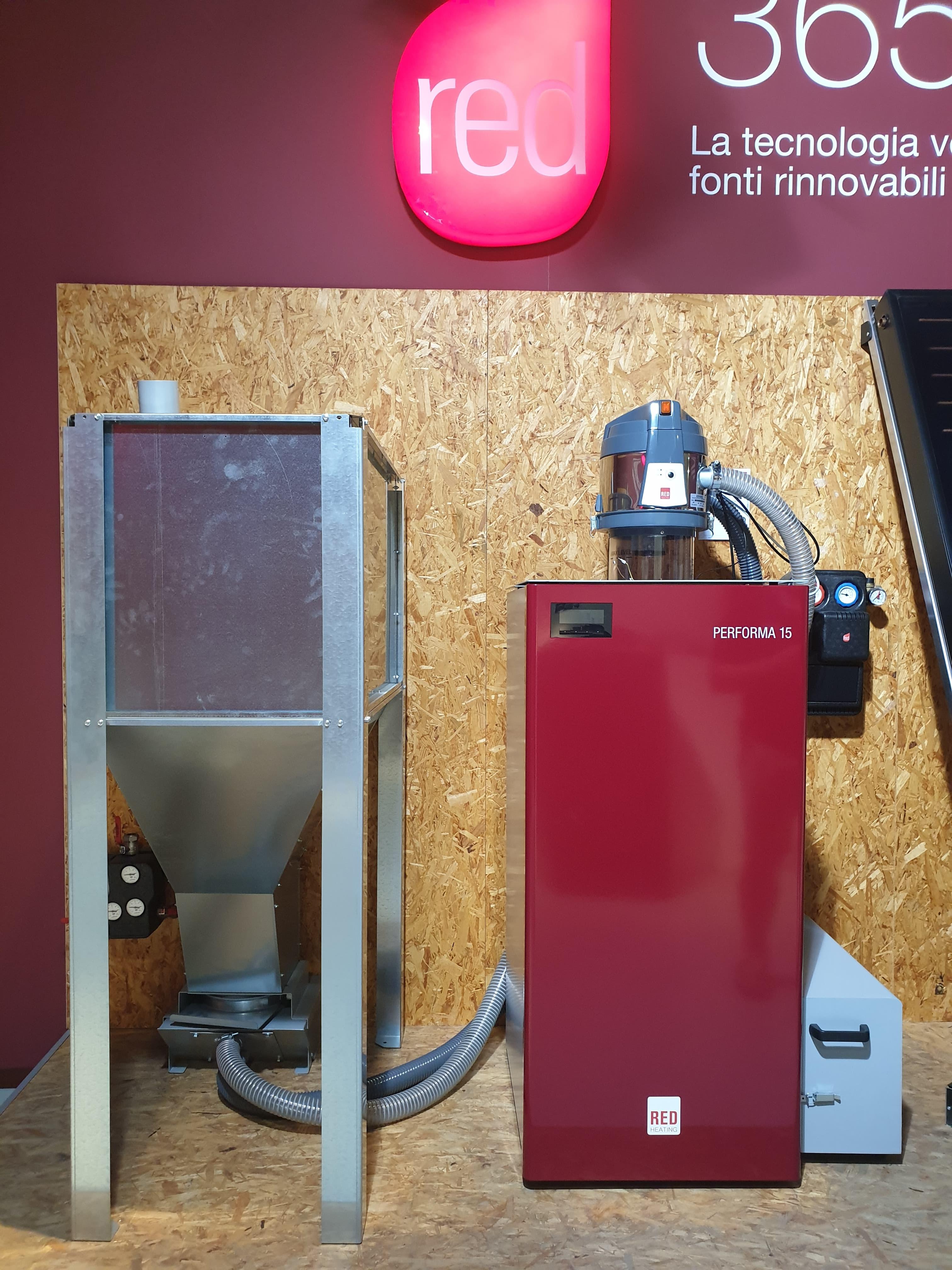 Installation d'une chaudière à granulés RED avec silo à granulés